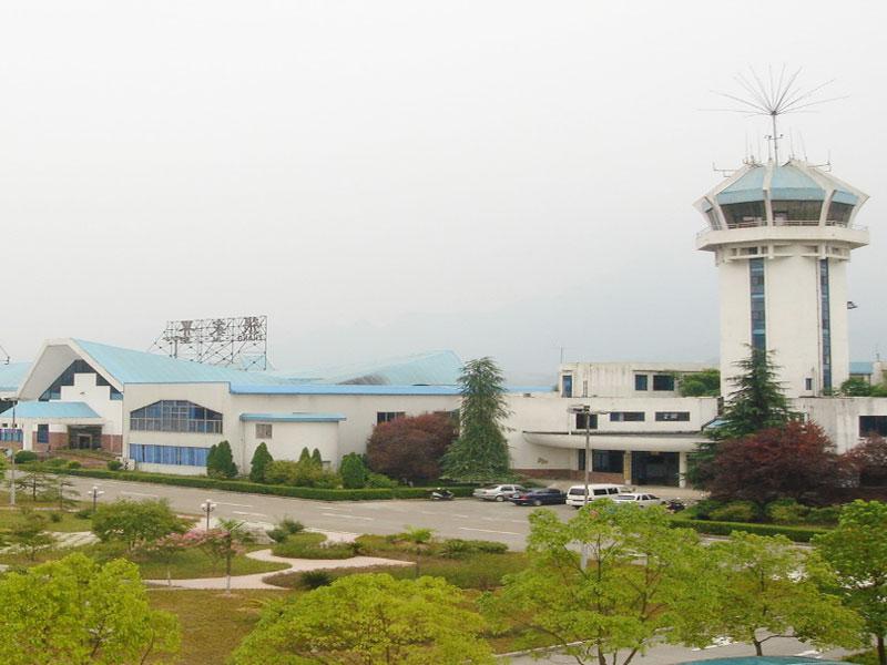 必威体育app 下载荷花机场扩建工程